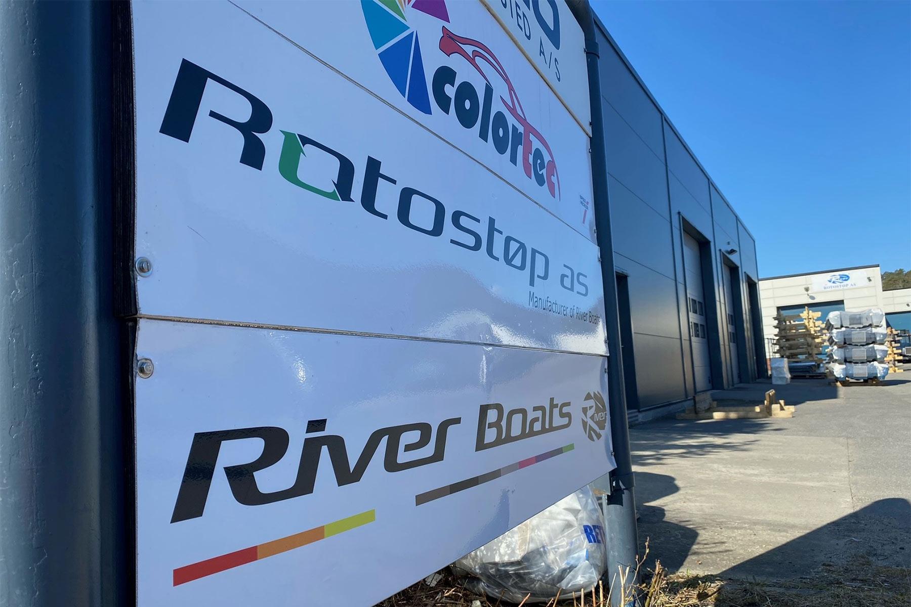 River Boats - Cafe Hanco